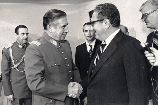 פגישה בין פינושה לג'ימי קרטר ב-1976 (משרד החוץ של צ'ילה)