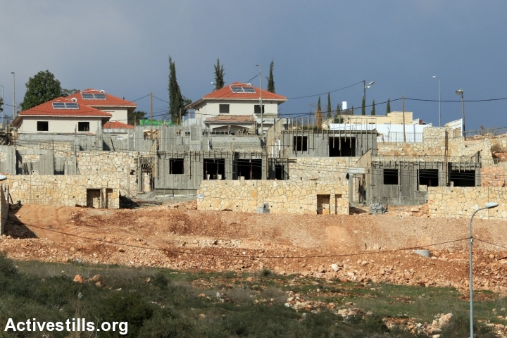 בנייה בהתנחלות ברוכין, דצמבר 2015 (אחמד אל-באז / אקטיבסטילס)
