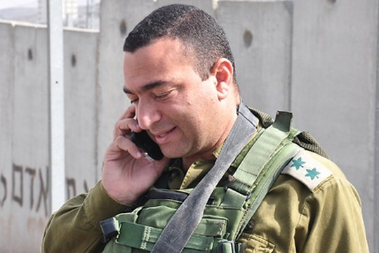 """אל""""מ ישראל שומר. האם הוא ישמור על זכות השתיקה על דוכן העדים במשפטו של אלאור אזריה? (צילום: דובר צה""""ל)"""