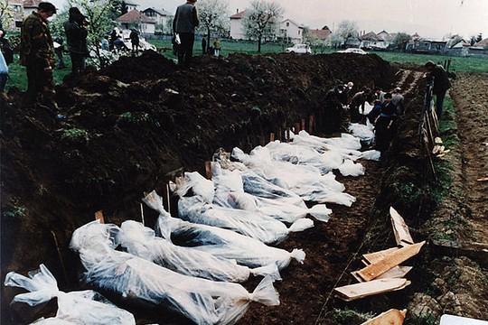 קבר אחים בבוסניה. (צילום: ICTY)