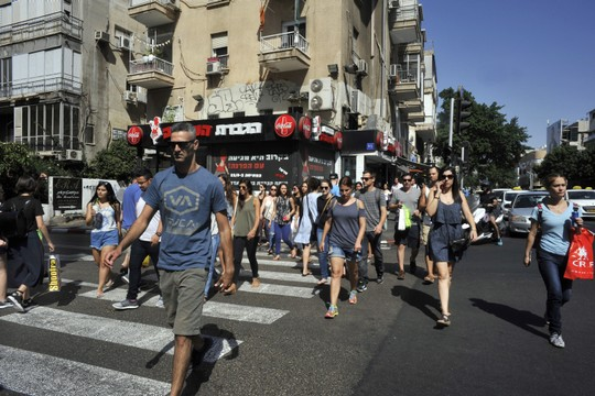 כל אשה שלישית עברה תקיפה מינית. רחוב בתל אביב. אילוסטרציה (סרג' אטל/פלאש90)