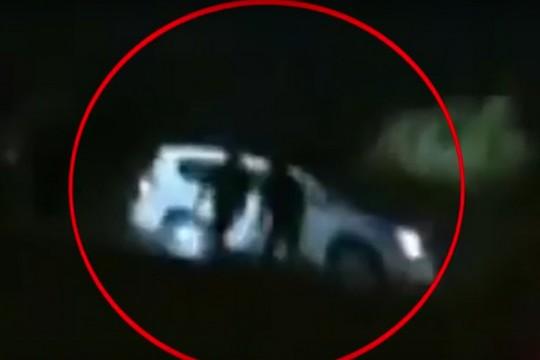האורות הדלוקים ברכבו של יעקוב אבו אלקיעאן. צילום מסך מתוך אל ג'זירה