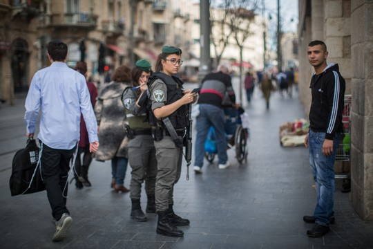 במחסום בדרך הביתה תמיד יהיה מי שיזכיר לי מי אני ולאן אני שייך. רחוב יפו בירושלים (הדס פרוש/פלאש90)