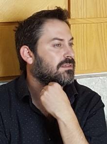 """ד""""ר יוני מנדל בבית המשפט (יואב חיפאווי)"""
