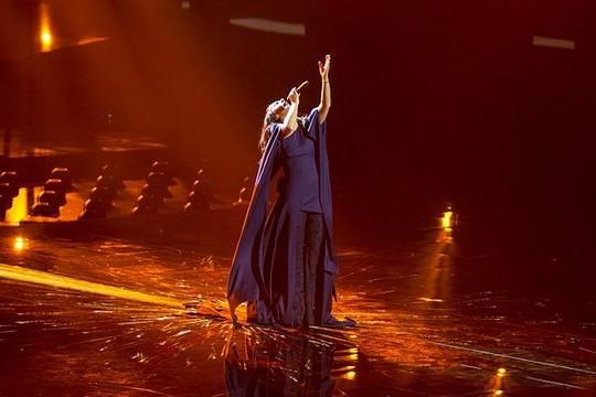 ג'מאלה, נציגת אוקראינה שרה את השיר הזוכה באירוויזיון 2016 (צילום: Albin Olsson, CC BY-SA 4.0)