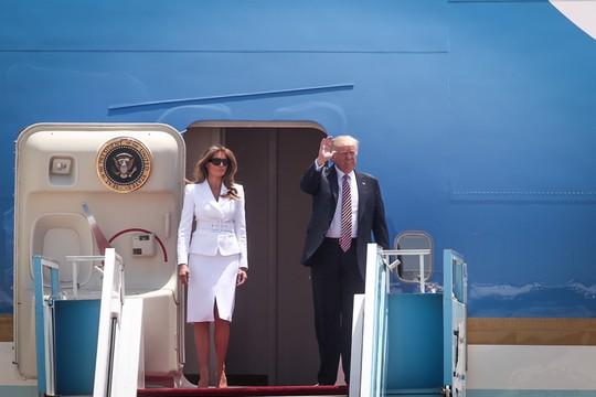 """הנשיא האמריקאי דונלד טראמפ נוחת בנתב""""ג. (צילום: מרים אלסטר/פלאש90)"""