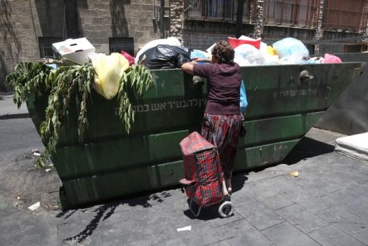 כל אדם לגורלו. עוני בישראל (צילום: נתי שוחט, פלאש90)