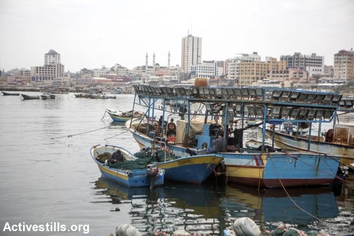 סירות דייגים בנמל עזה. מרץ 2017 (אן פאק/אקטיבסטילס)