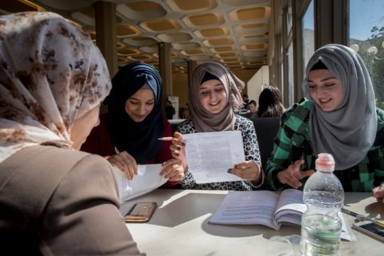 סטודנטיות בקמפוס הר צופים של האוניברסיטה העברית בירושלים (צילום אילוסטרציה: נתי שוחט, פלאש90)