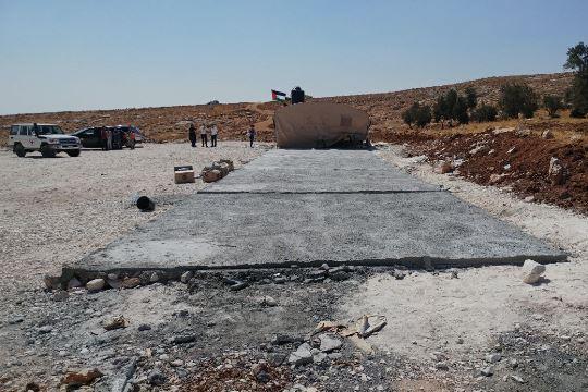 הריסת מבני בתי הספר בכפר ג'וב א-דיב על ידי המנהל האזרחי בפתח שנת הלימודים 23.08 (צילום: נאסר נוואג׳עה, בצלם)