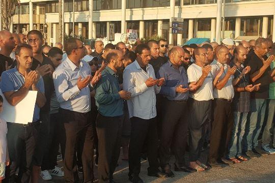 ההפגנה השבוע נגד ייצוא הנשק למיאנמר, המשמש לרצח מוסלמים 11.09.2017 (צילום: דוברות הרשימה המשותפת)
