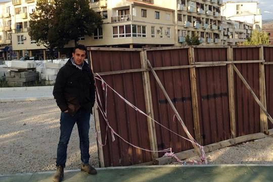 גדר ההפרדה במטרוביצה בין הסרבים והאלבאנים