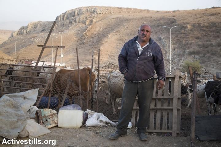 קדרי דראגמה, אחד מ-300 תושבי עין אל חילווה ואום ג'מאל שעומדים בפני גירוש מבתיהם (קרן מנור/אקטיבסטילס)