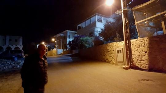 מעל הרחוב הזה מתחילה חיפה (יואב חיפאווי)