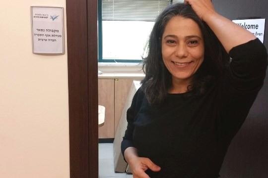 """מקבולה נסאר, בלוגרית """"שיחה מקומית"""" העומדת בלב מתקפה מימין עקב דעותיה"""