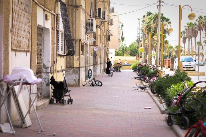 רחוב בירוחם. יוני 2015 (גארט מילס / פלאש90)