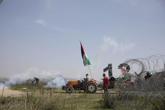 ירי גז. ההפגנה לציון 13 שנה למאבק בבלעין