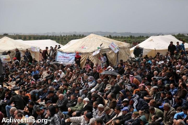 הסיוט של ישראל הוא מאה אלף מפגינים לא חמושים שעומדים מול הגבול שקוראים לחופש. צעדת השיבה הראשונה בעזה, 30 במרץ 2018 (צילום: מוחמד זאנון / אקטיבסטילס)