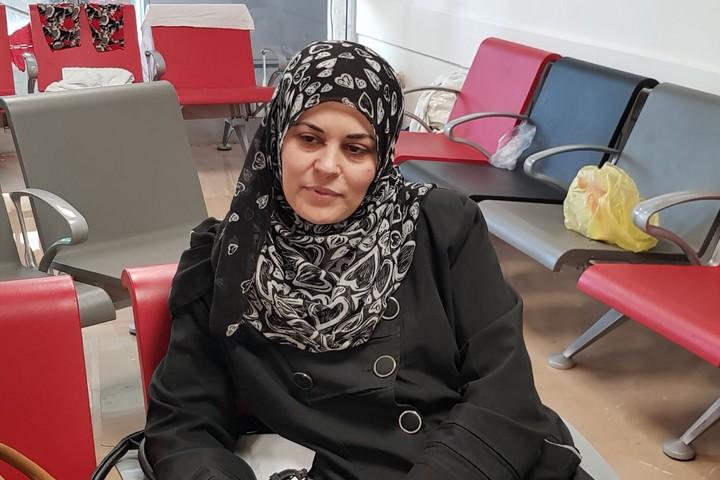 """אמו של אחמד אבו-חוסיין בבי""""ח תל השומר (חולוד מסאלחה)"""
