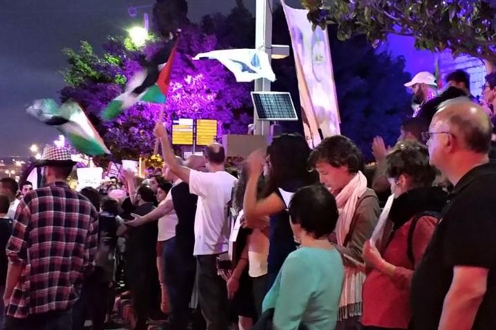 ההפגנה בחיפה ביום שני השבוע נגד הרג המפגינים בעזה. מסע מאורגן נגד פעילים (צילום: דלית שמחאי)
