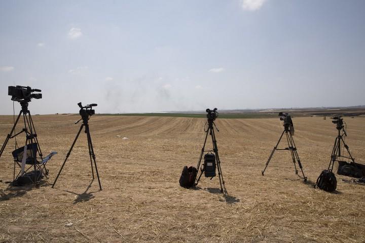 מצלמות מנסות לקלוט מה קורה במרחקים גבול עזה 15 במאי 2018 (אורן זיו / אקטיבסטילס)