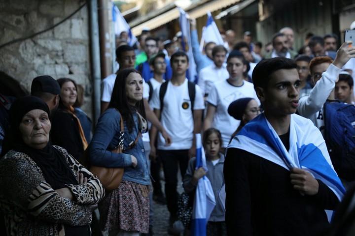 """אלימות לא היתה, אבל פחד היה גם היה. מצעד """"ריקוד הדגלים"""" היום בעיר העתיקה בירושלים (צילום:אורן זיו/אקטיבסטילס)"""