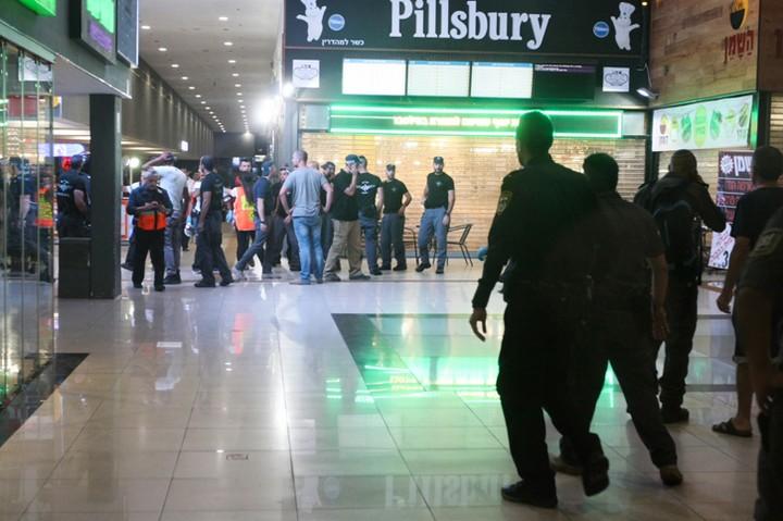 הפיגוע בתחנה המרכזית המרכזית בבאר שבע. הקורבן של השימוש בנשק של מאבטח בפיגוע הזה היה אזרח תמים (צילום: מאיר אבן חן / פלאש 90)