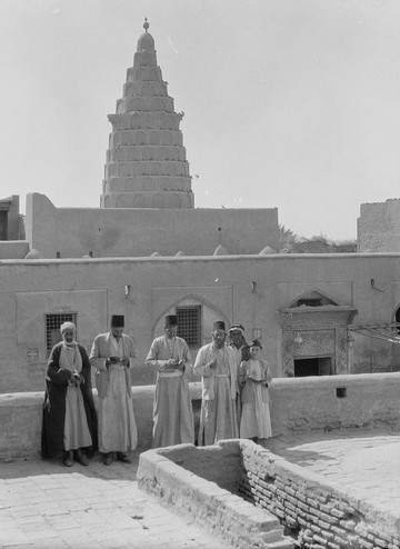 הקבר המיוחס לנביא יחזקאל בעיראק. הרוב המגיבים תפסו את היהודים כחלק בלתי נפרד מעיראק