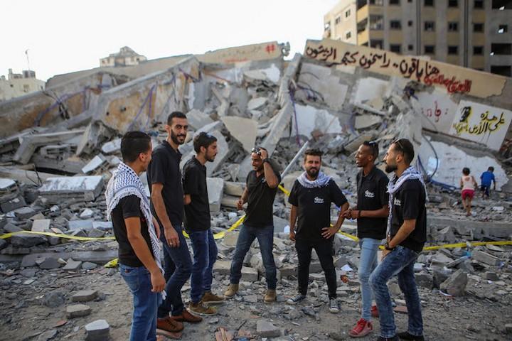 להקת הדבקה אל-ענקא'א. הילדים האמינו שיהפכו לרקדנים מקצועים (צילום: מוחמד חג'אר)