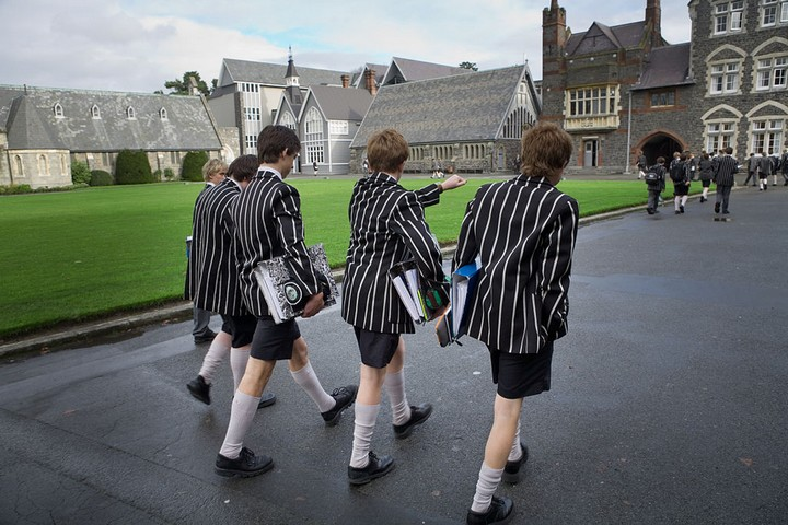 """תלמידים בבית ספר בניו זילנד. תוכנית """"בתי הספר של המחר"""" לא הובילה לשום מקום. (צילום: Jorge Royan, ויקימדיה, CC BY-SA 3.0)"""