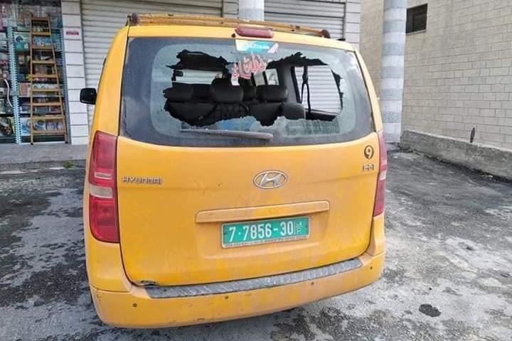 מכונית שהותקפה בצומת יצהר (צילום: באדיבות יש דין)