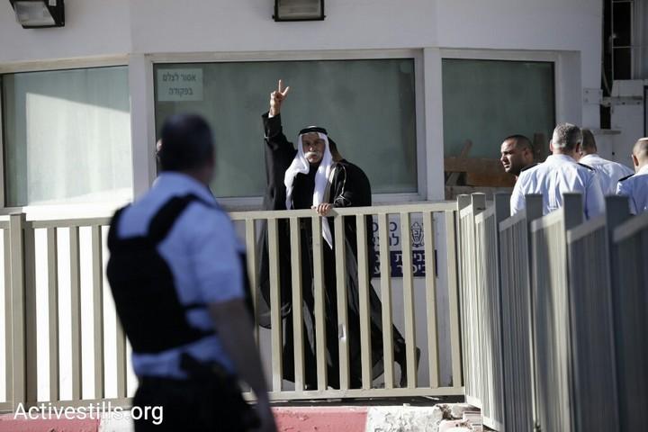 שייח' סיאח אבו מדיע'ם נכנס לכלא. 25 בדצמבר 2018 (אורן זיו / אקטיבסטילס)
