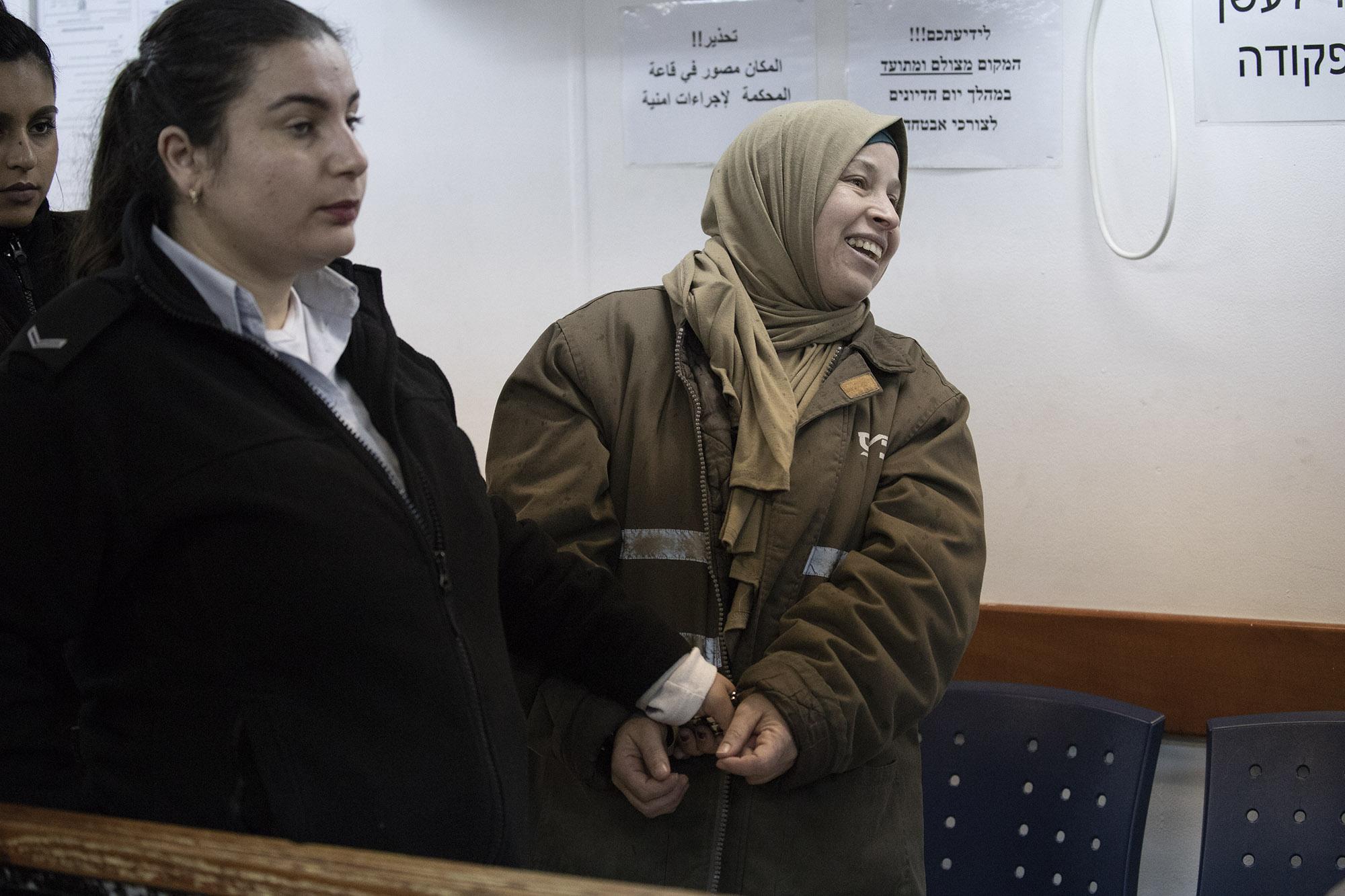 נרימאן תמימי מובאת לבית המשפט לאחד הדיונים בתיקה (אורן זיו/ אקטיבסטילס)