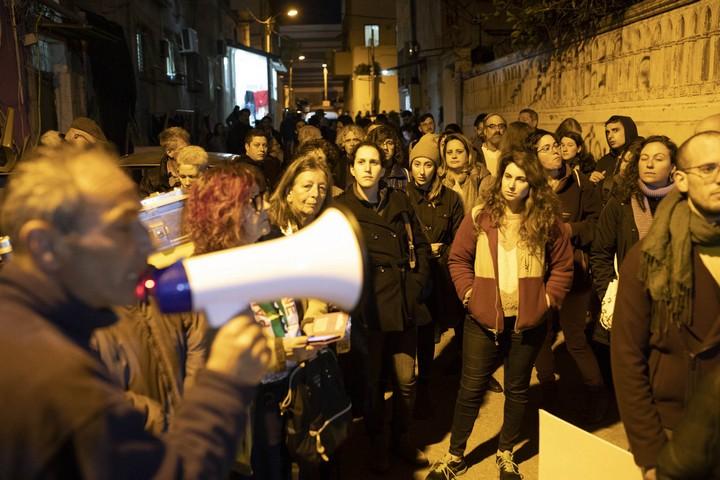 """מפגינים צועדים ברחובות עג'מי. """"נגד האפליה והאפרטהייד (צילום: אורן זיו / אקטיבסטילס)"""
