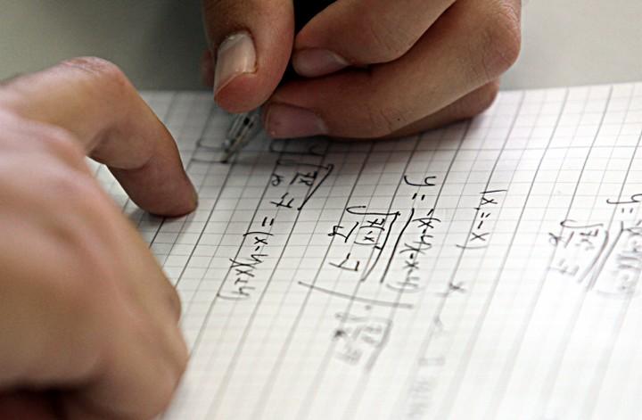 תלמיד במהלך בגרות במתמטיקה (יוסי זמיר / פלאש 90)
