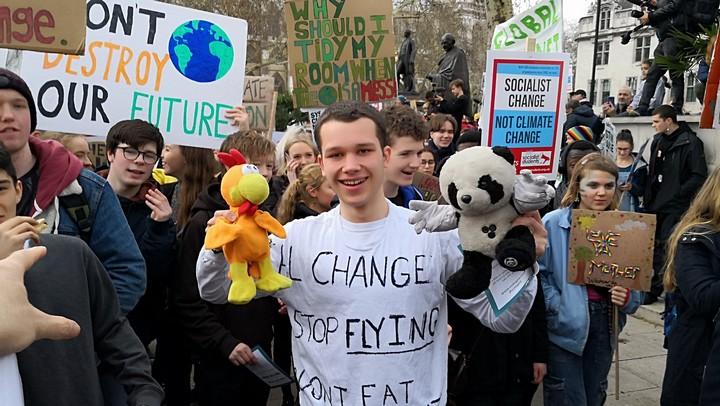 שביית התלמידים נגד משבר האקלים בלונדון. מרץ 2019. (צילום: Philip McMaster, פליקר CC BY-NC 2.0)