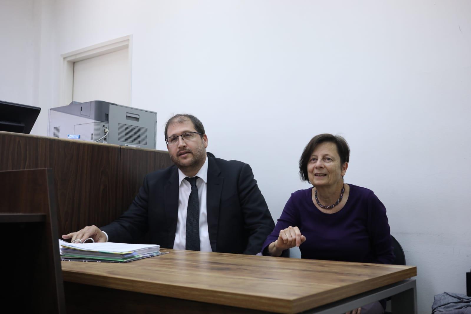 """ד""""ר ענת מטר ומיכאל ספרד בבית המשפט ביום ראשון השבוע (אורן זיו)"""