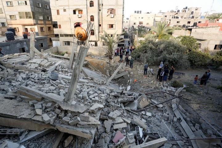 בניין שישראל השמידה במהלך הלילה ברפיח. 5 באפריל 2019. (עבד רחים חטיב / פלאש 90)