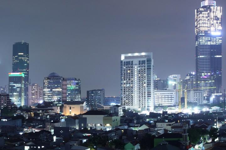 בירת אינדונזיה, ג'קרטה, בלילה (צילום: Robin Widjaja)