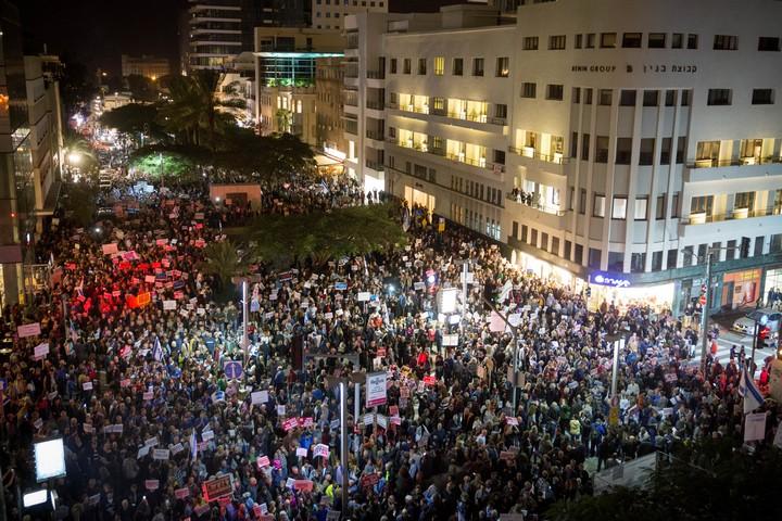 הפגנה נגד השחיתות הממשלתית בתל אביב, ב-23 בדצמבר 2017 (צילום: מרים אלסטר / פלאש90)