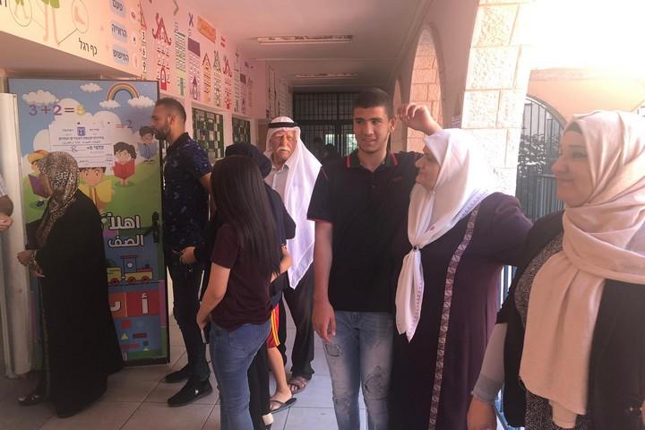 תור לקלפי בכפר טורעאן (צילום: סמאח סלאימה)