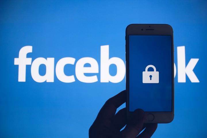 באירופה כבר התחילו להילחם נגד המונופול של פייסבוק ברצינות (צילום: thoughtcatalog.com)