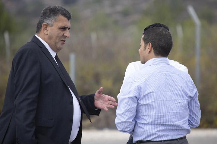 עורך דינה של אללבדי, רסלאן מחג'נה, ונציגי שגרירות ירדן, בדיון בערעורה של היבא אללבדי (צילום: אורן זיו)