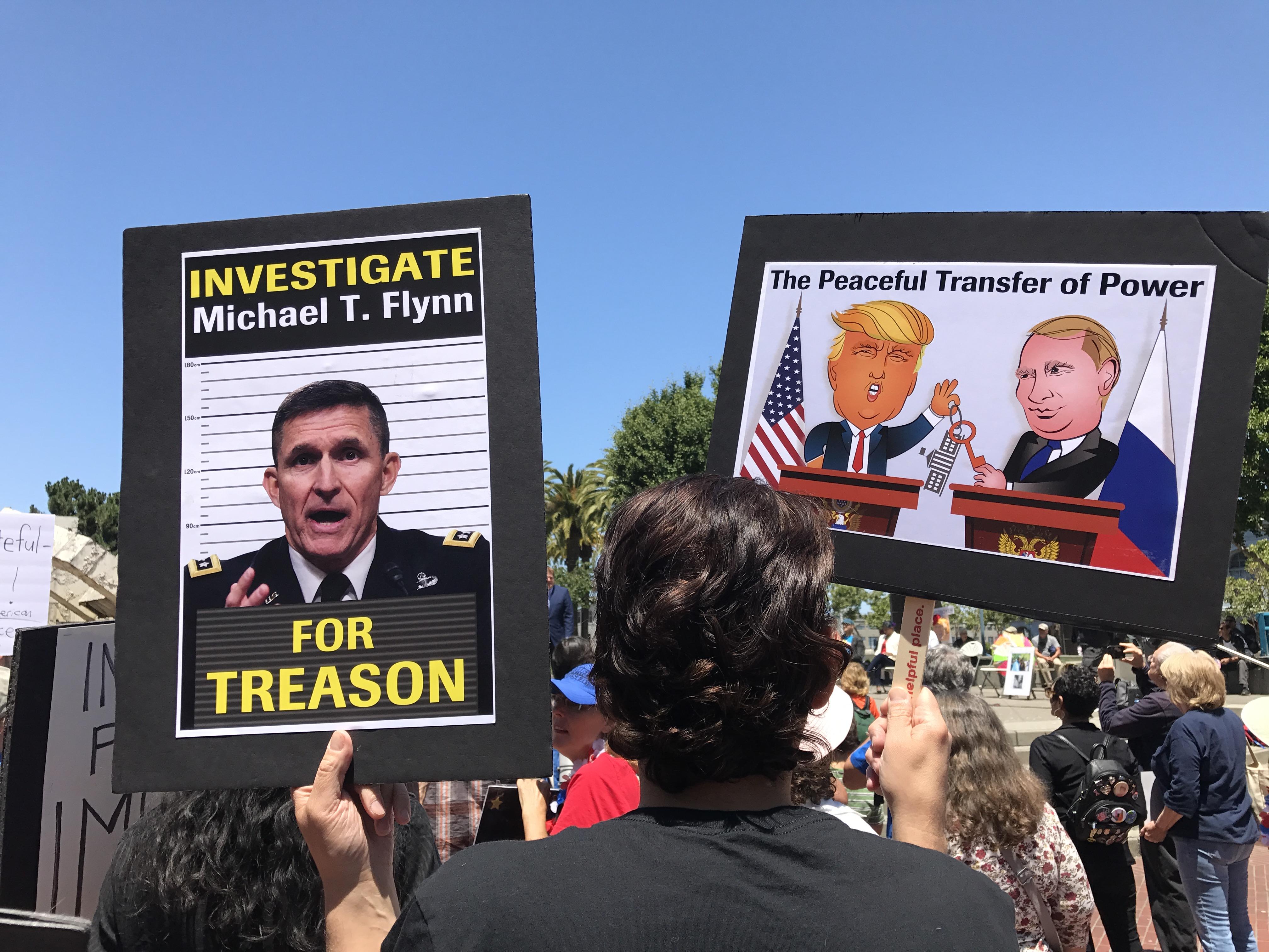 """מפגינים בצעדה למען הדחת טראמפ ב-2017 בארה""""ב (צילום: Master Steve Rapport)"""