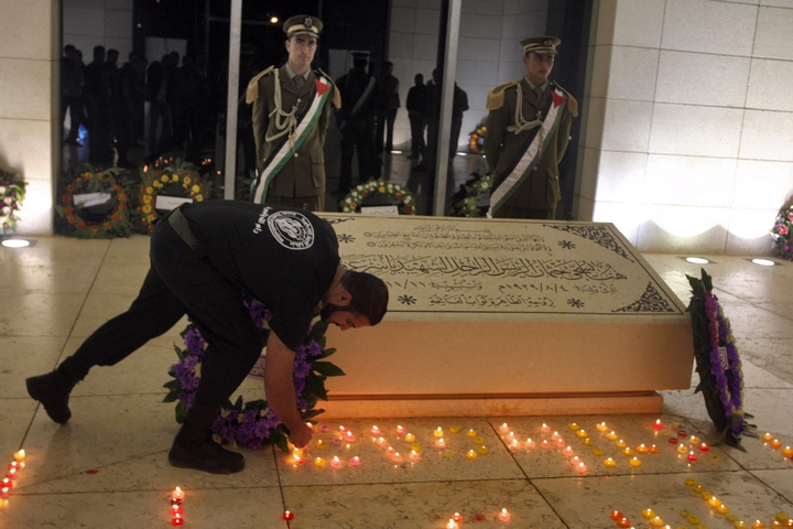 קבר עראפת ברמאללה (צילום: עיסאם רימאווי / פלאש90)