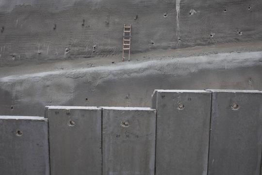 על חומה תמיד אפשר לטפס. וואלג'ה (אורן זיו / אקטיבסטילס)