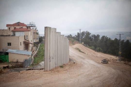 תהליך בניית החומה (אורן זיו / אקטיבסטילס)