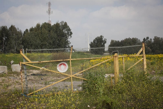 שער נטוש במקטע גדר שבוטל, קלקיליה (אורן זיו / אקטיבסטילס)