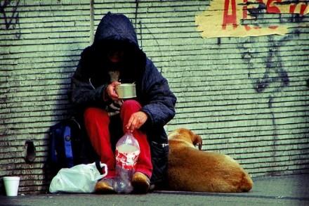 עוני (אילוסטרציה: Luis Felipe Salas CC BY-NC ND 2.0)