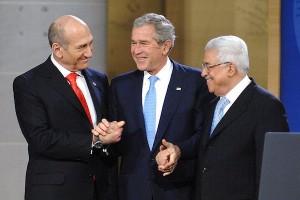 אולמרט, בוש ועבאס בפתח ועידת אנפוליס (קרדיט: ג'ין קיי / US NAVY)